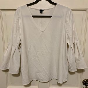 NWOT Ann Taylor 3/4 Sleeve Pleated Bell Sleeve Top